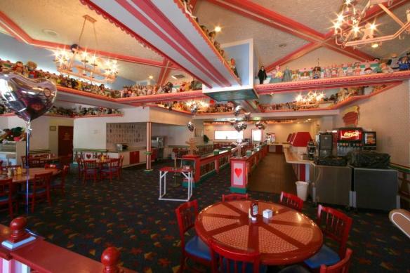 GKTW Gingerbread House Inside